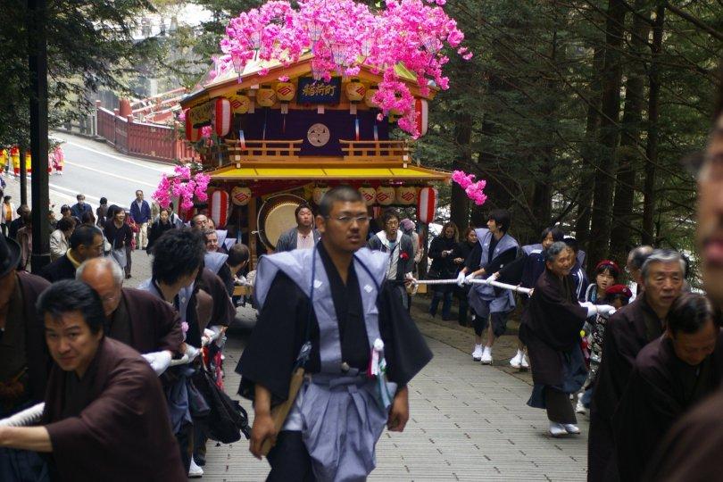 Nikko Matsuri - Die erste Steigung