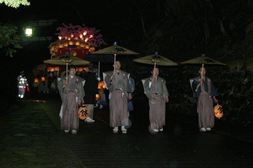 Nikko Matsuri - Rückweg bei Nacht