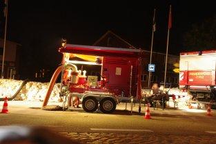 Börger-Pumpe bei Nacht