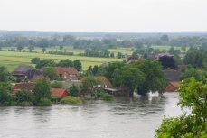 überfluteter Bauernhof